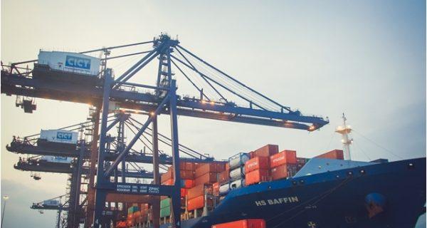 Vận tải Luồng xanh: Giải pháp logistics linh hoạt trong phòng chống dịch
