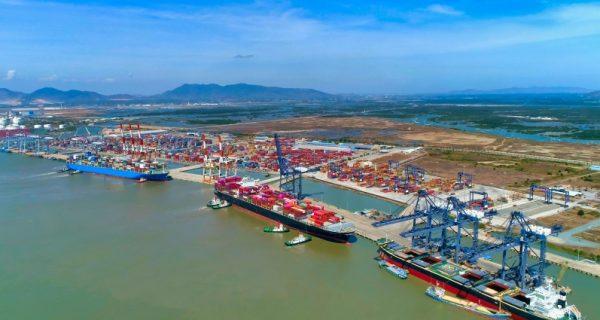 Cần phương án mới cho cảng biển