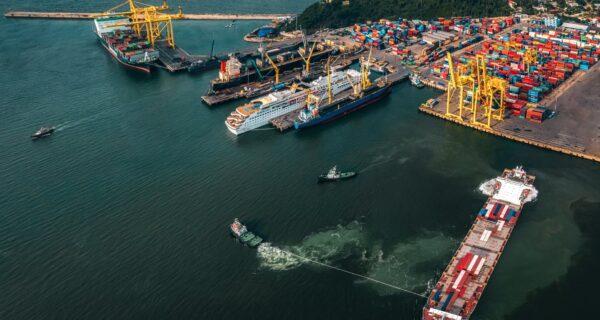 Cấp thiết đầu tư cảng Liên Chiểu nhưng không nên lãng phí cảng Tiên Sa